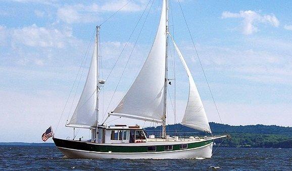 Miss Nina Sailing